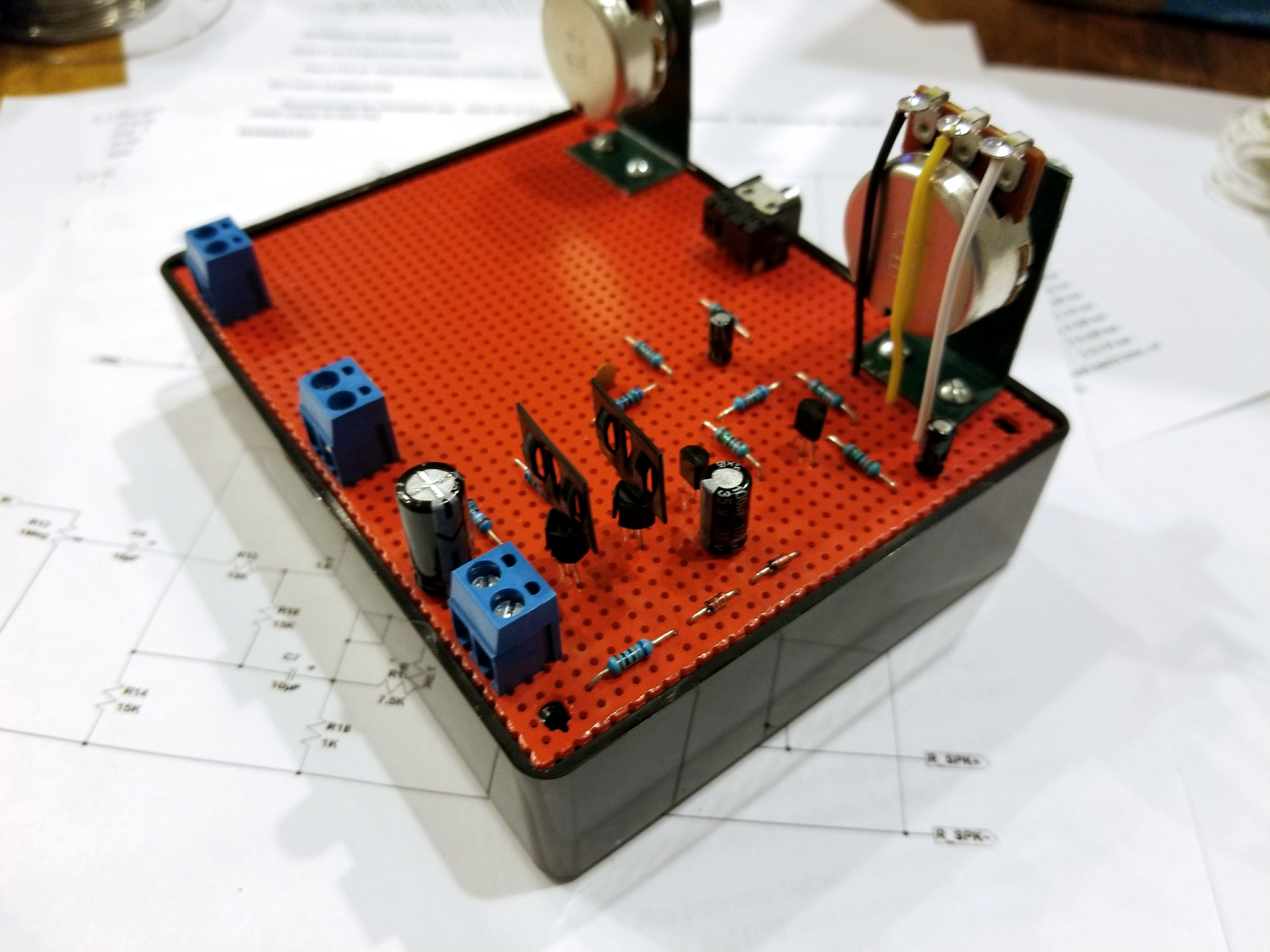 Build this 8 Transistor Stereo Amplifier